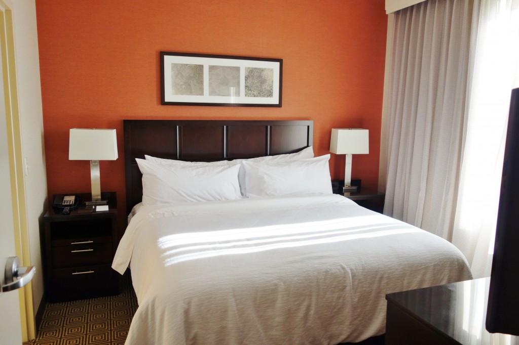 Bedroom Embassy Suites Elizabeth NJ Review