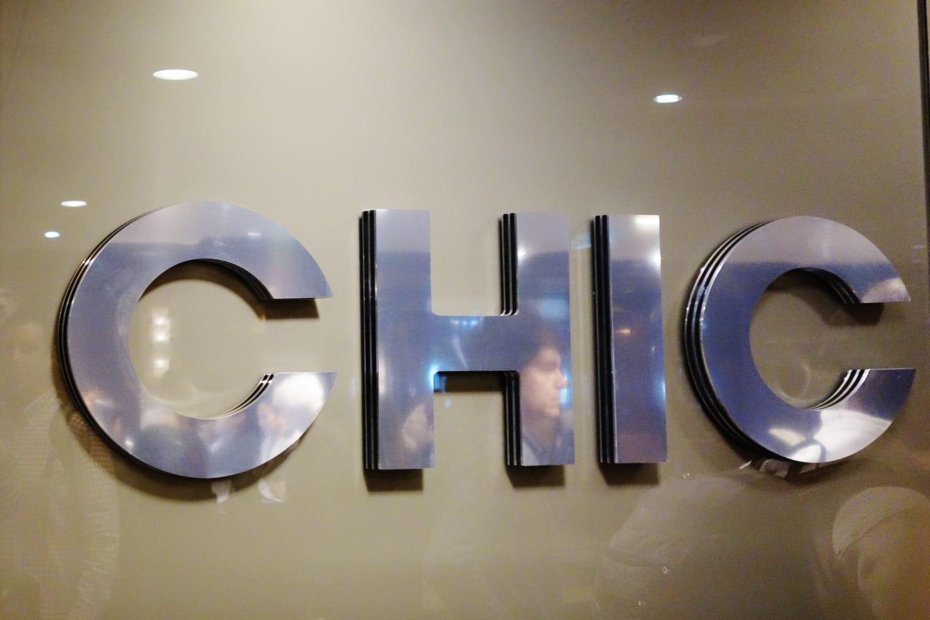 Quantum of the Seas: Dynamic Dining Review Chic Restaurant