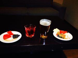 Snacks Embassy Suites Elizabeth NJ Review