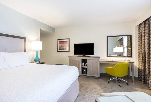 Hampton Inn Miami Room