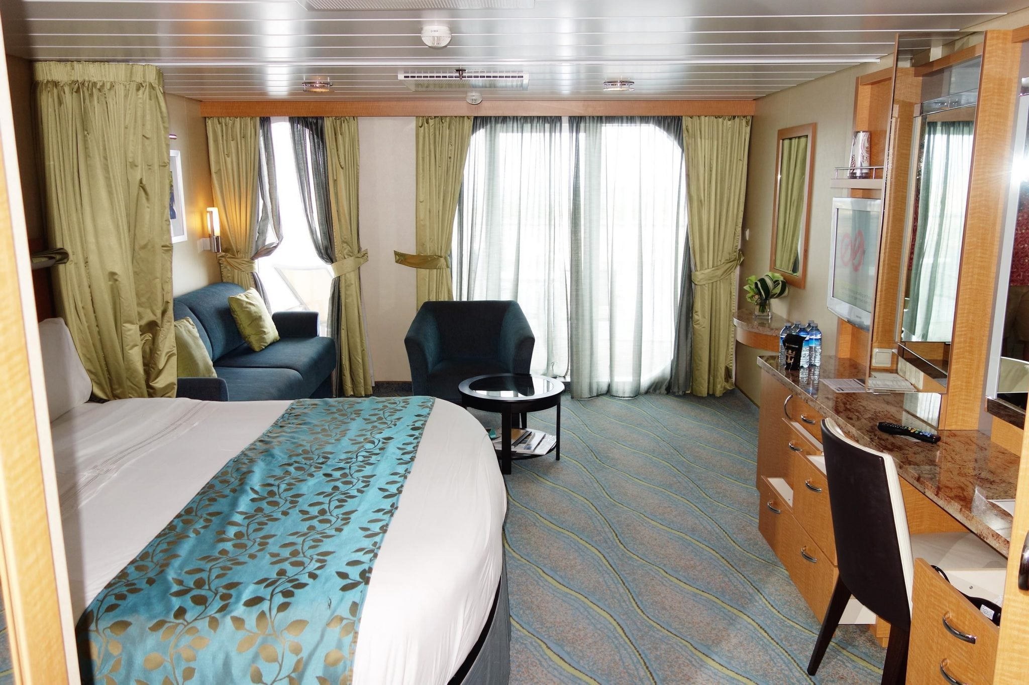 Our Latest Stateroom Review Oasis Of The Seas Junior Suite