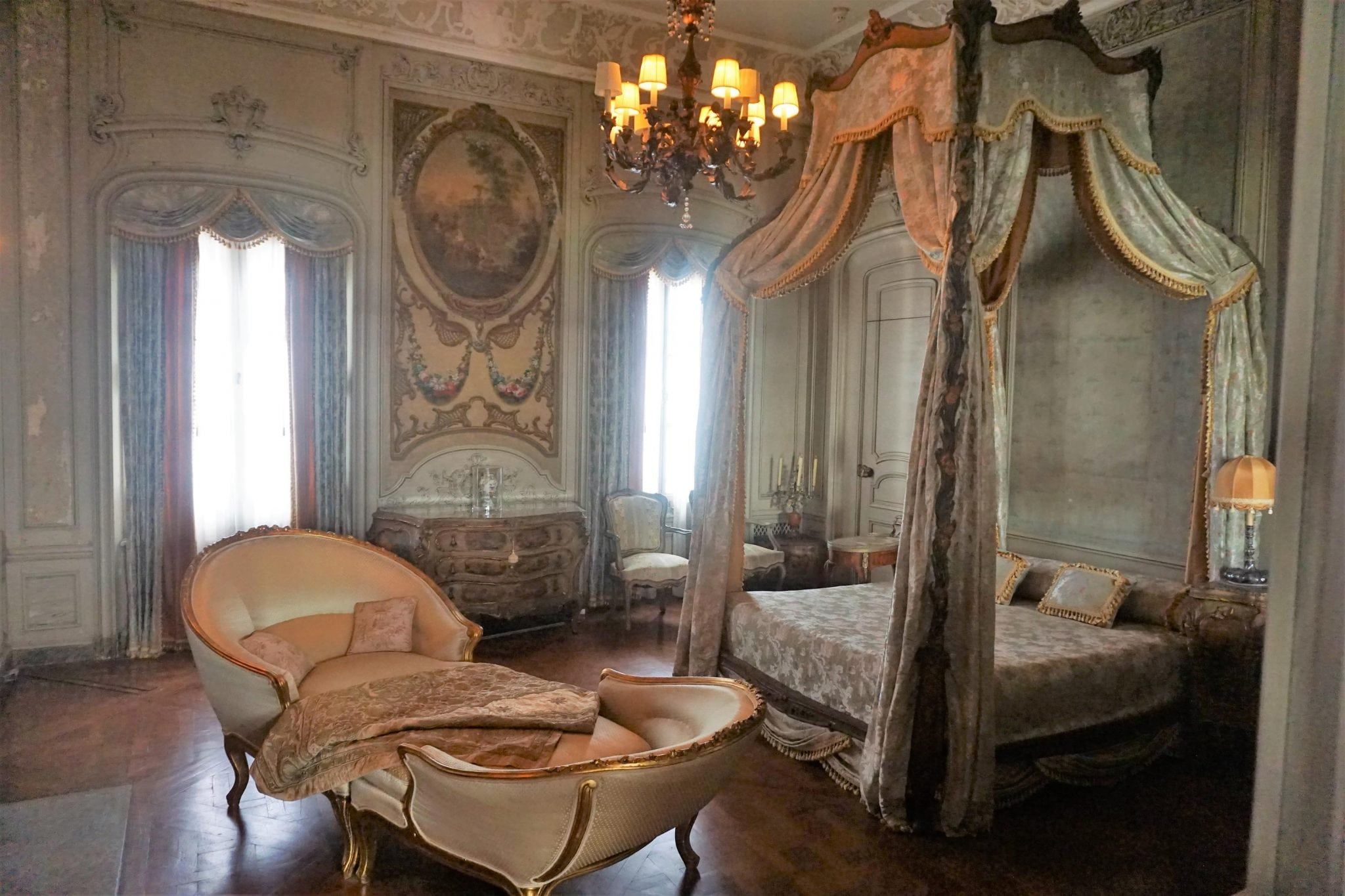One of th emost opulent bedrooms in Vizcaya