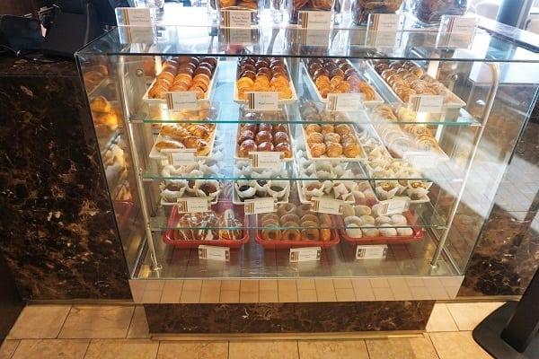 Morning Teats at Cafe al Bacio