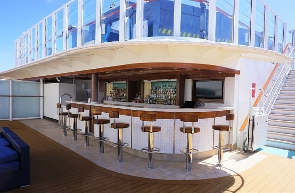Sun Deck Bar on Norwegian Bliss