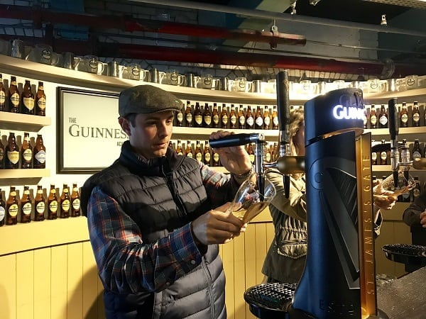 DB Pouring the Perfect Guinness