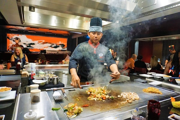 Chef at Hibachi Experience on Mariner of the Seas