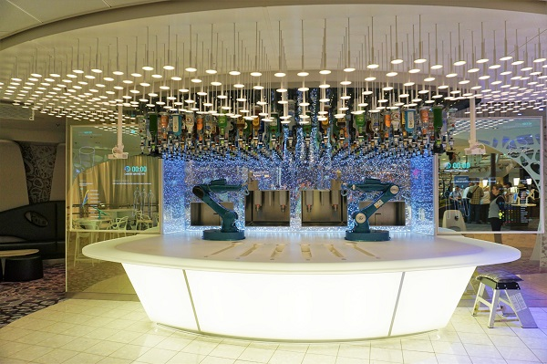 Bionic Bar on Oasis of the Seas