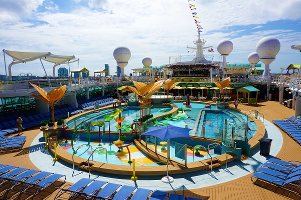 Pool Deck on Navigator of the seas