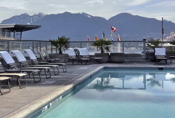 Fairmont Waterfront Hotel Pool
