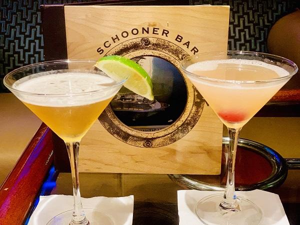 Drinks at Schooner Bar on Navigator of the Seas