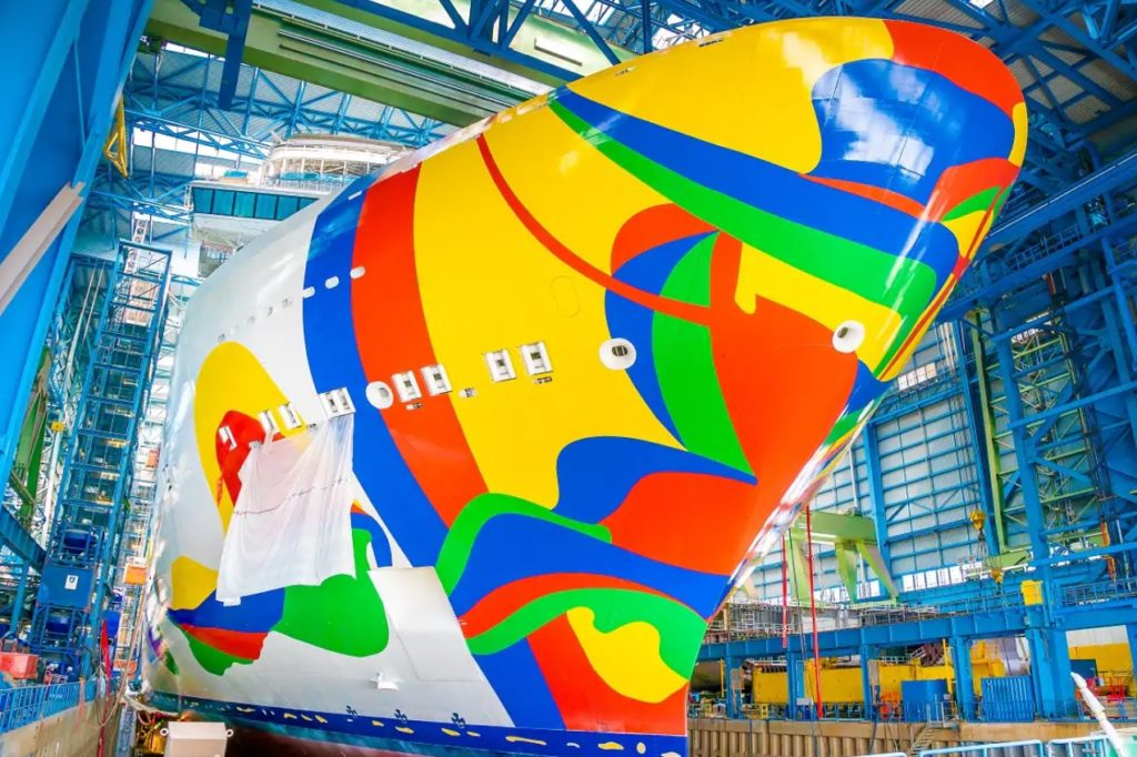 Norwegian Encore Hull Art
