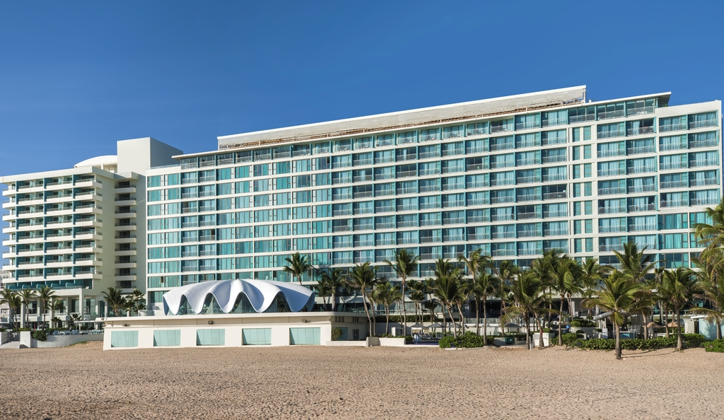 La Concha Resort remains one of the top hotels near the San Juan cruise port.
