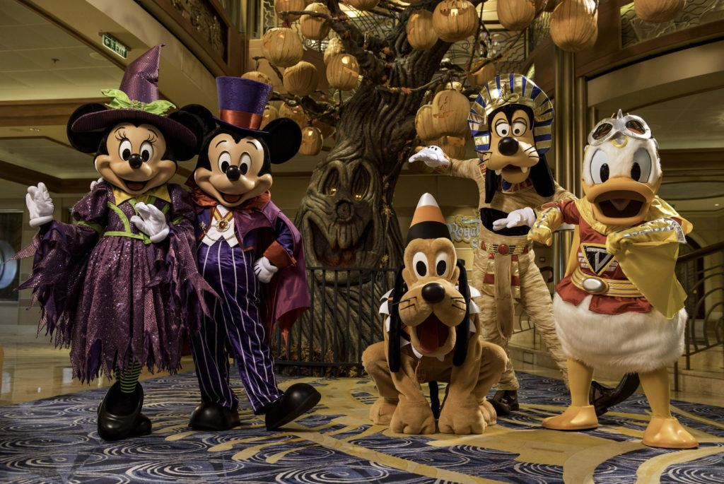 Holiday Magic Returns to Disney Cruise Line | Eat Sleep Cruise